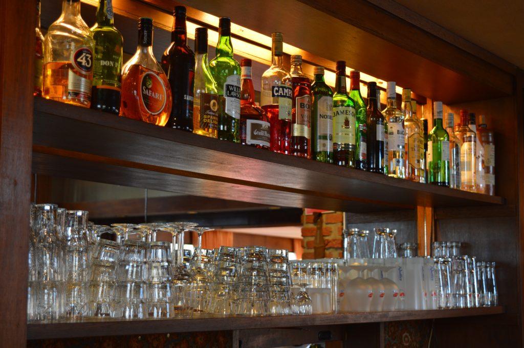 Bar drank huize bareveld huizebareveld glazen